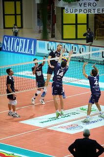 VOLLEY Milano-Monza, è (s)gradito l'abito blu
