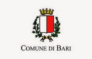 """COSTUME  """"Ladri di biciclette"""" a Bari"""