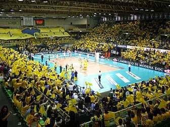 (fanta)VOLLEY Tutti in giallo, multate le tifoserie di Modena-Trento
