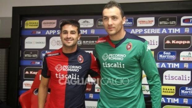CALCIO Il Cagliari vince col Pecorino Romano (sulla maglia)
