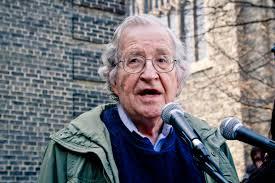 SOCIETA' Chomsky: I padroni dell'umanità, non eletti, hanno ucciso le democrazie