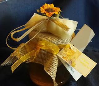 SOCIETA' Le bomboniere delle api: miele, amore e fantasia