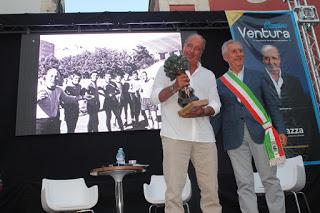 CALCIO Il ct Ventura con il Premio Pugliese, nella scia di Conte