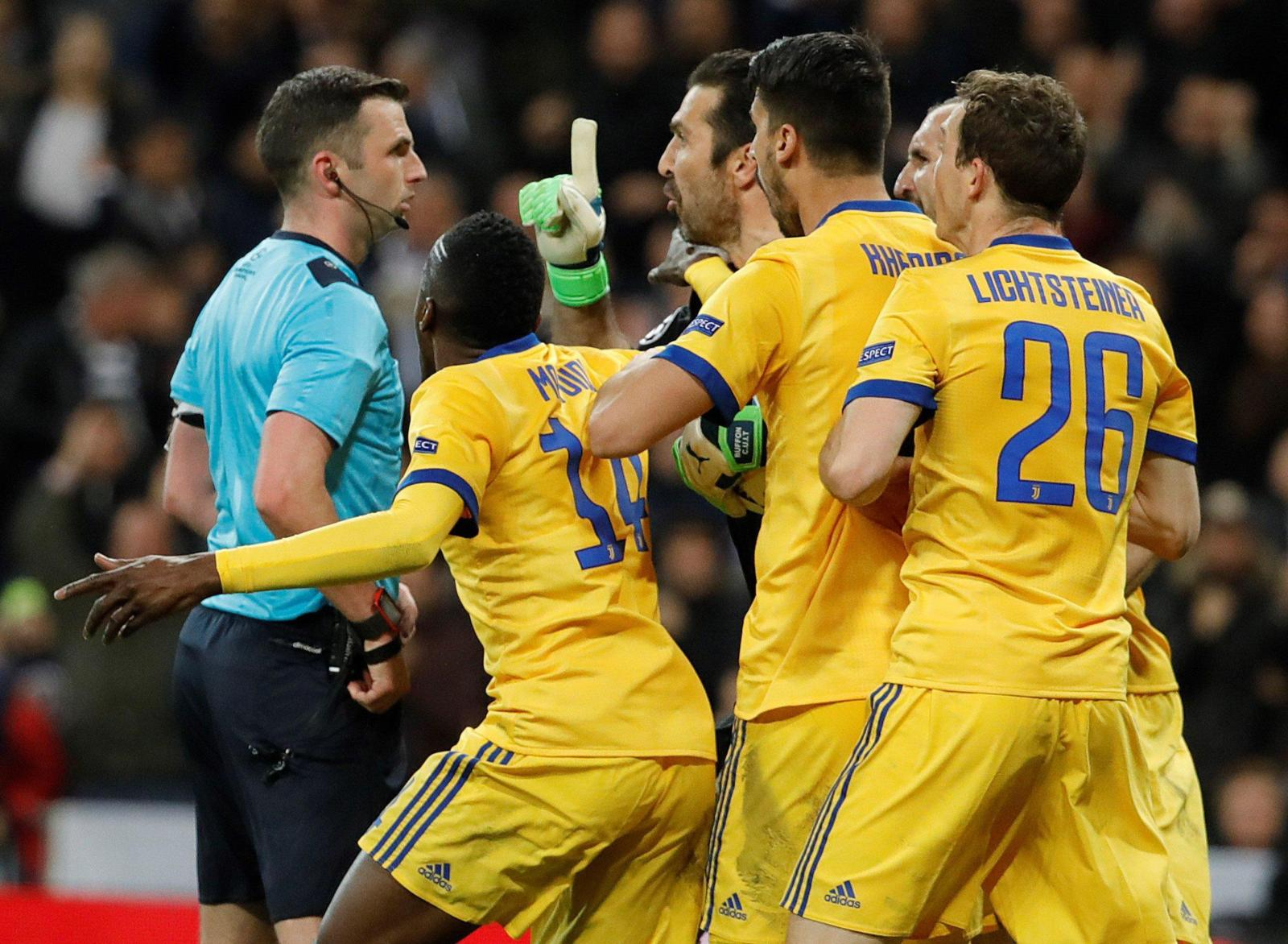 CALCIO Juventus fuori, un furto Real