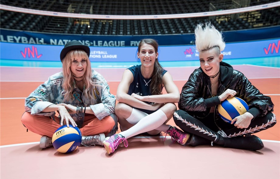 VOLLEY & MUSICA Le gemelle Nervo e la Nations
