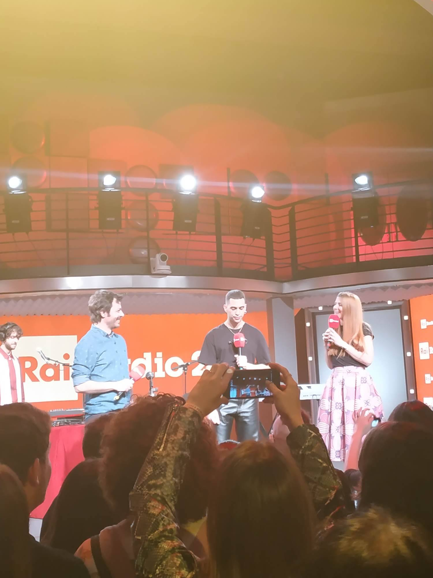 MUSICA Mahmood a Radio 2 live