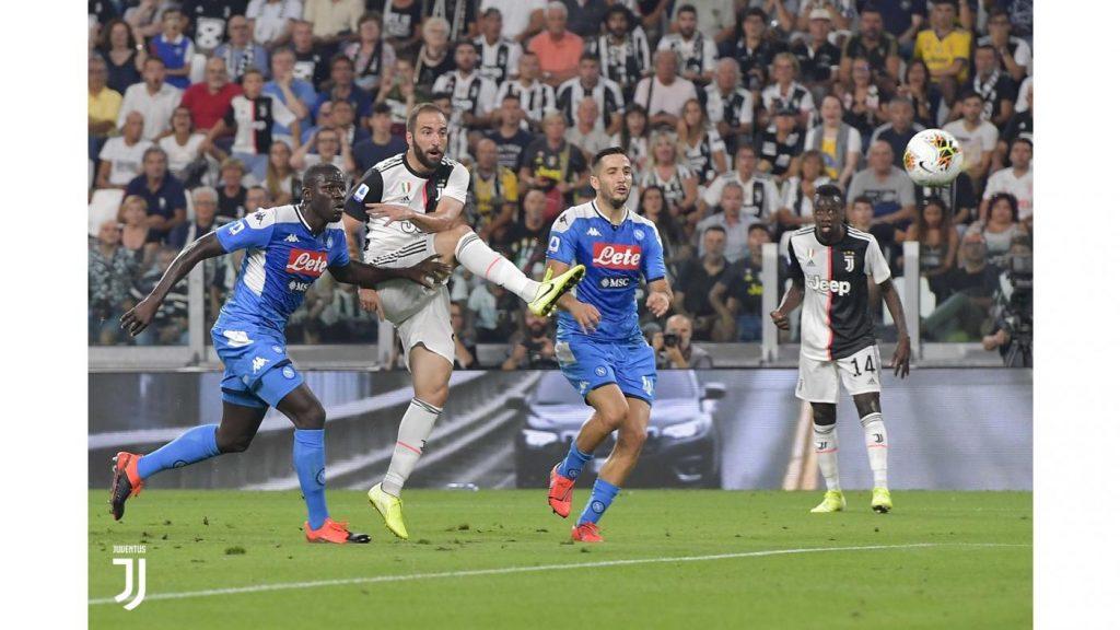 CALCIO Juventus Napoli 4 3 VISTO DAL basso
