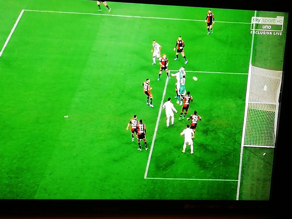 Il gol di testa di Bonucci al Genoa