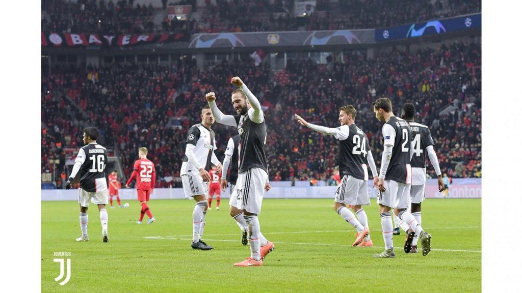 Bayer Leverkusen-Juventus 0-2. L'esultanza dei giocatori juventini Foto Juventus.com