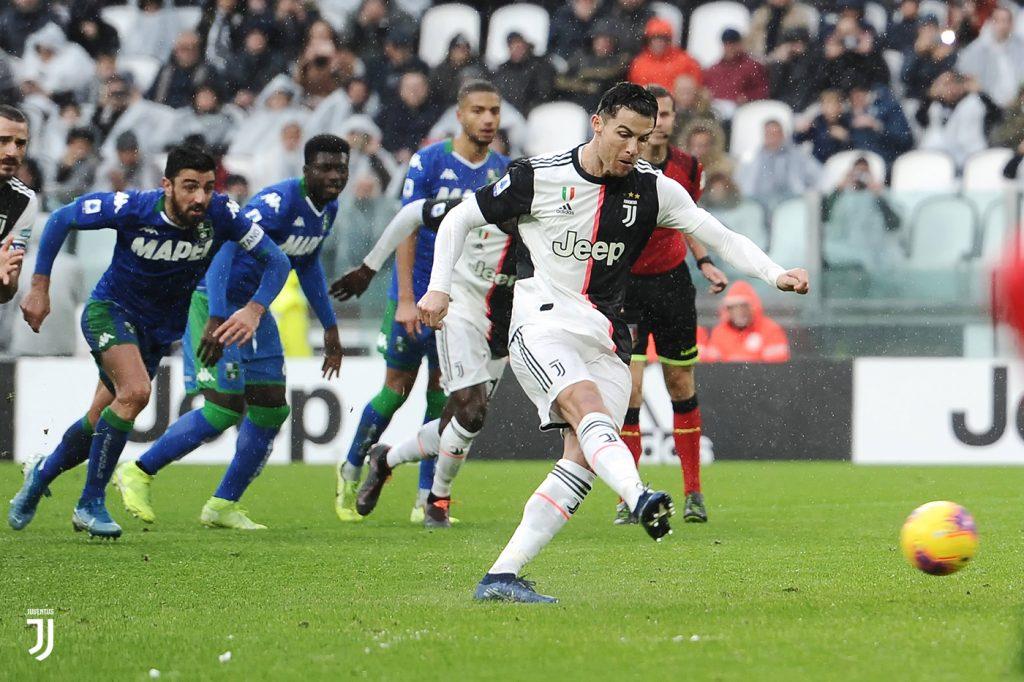 Ronaldo realizza il rigore del 2-2 FOTO JUVENTUS.COM