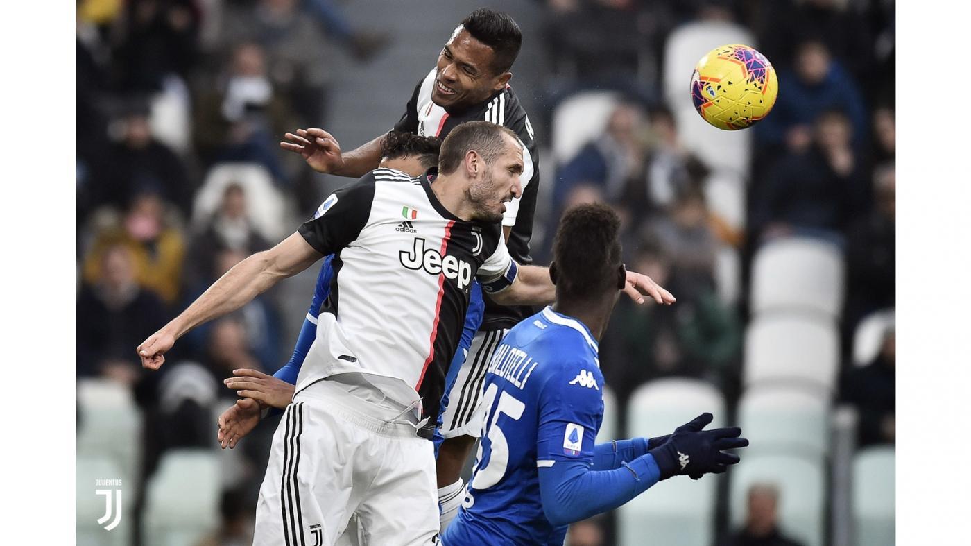 Juventus-Brescia 2-0 con Dybala e Cuadrado
