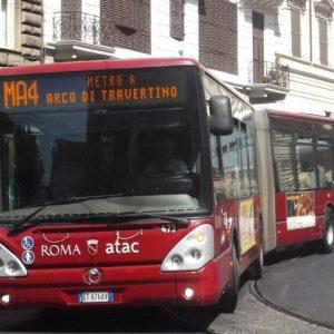 Atac, bus con le obliteratrici rotte: soldi perduti