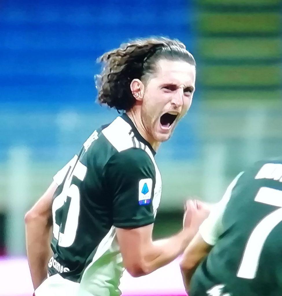 L'esultanza di Rabiot, che aveva sbloccato Milan-Juventus con il primo gol in bianconero