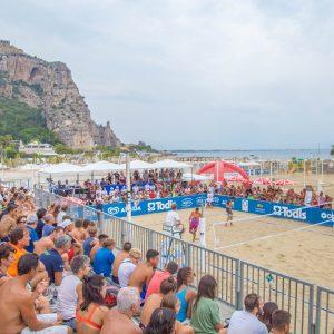 Riva di Traiano accoglie gli sport sulla spiaggia